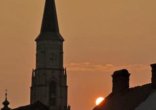 Apus de soare cu Biserica Sf.Mihail